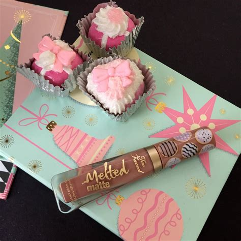 Too Faced The Sweet Smell Of Christmas: Melted Matte