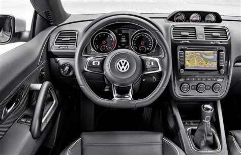 2015 Volkswagen Scirocco R and R-Line - Dynamic Launch
