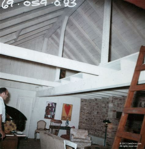 10050 Cielo Drive Living Room | Charles Manson Family and