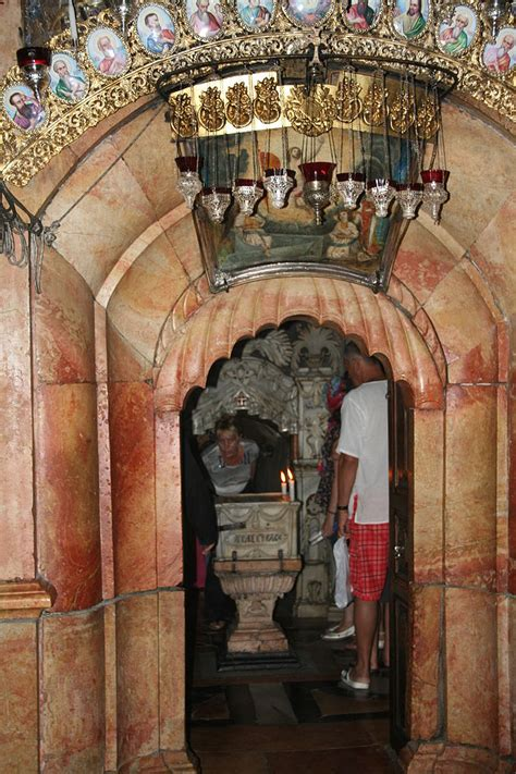 File:Tomb of Jesus, Church of the Holy Sepulchre