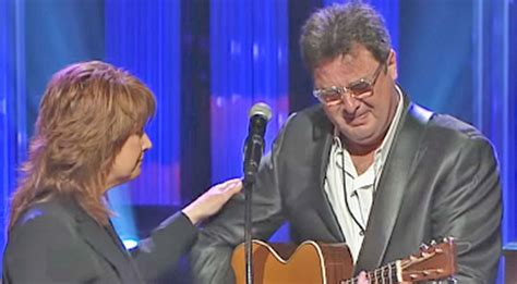 Vince Gill Breaks Down Mid-Performance While Singing 'Go