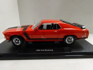 Welly Ford Mustang Boss 302 Rood 1970 | WEL18002RT